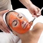 Skóra otrzymuje wszystkie potrzebne komponenty bezpośrednio z pożywienia, które jemy, jak również z kosmetyków, które aplikujemy bezpośrednio na skórę.