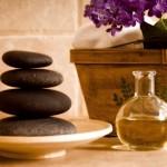 Istotą masażu jest wykorzystanie w nim kamieni bazaltowych pochodzenia wulkanicznego z czystych ekologicznie obszarów.