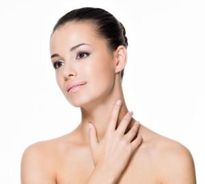 Jak zadbać o skórę szyi